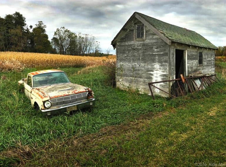 rustic-Old-Barn-with-Car